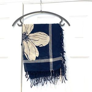 Hollister Womens Floral Navy Square Scarf